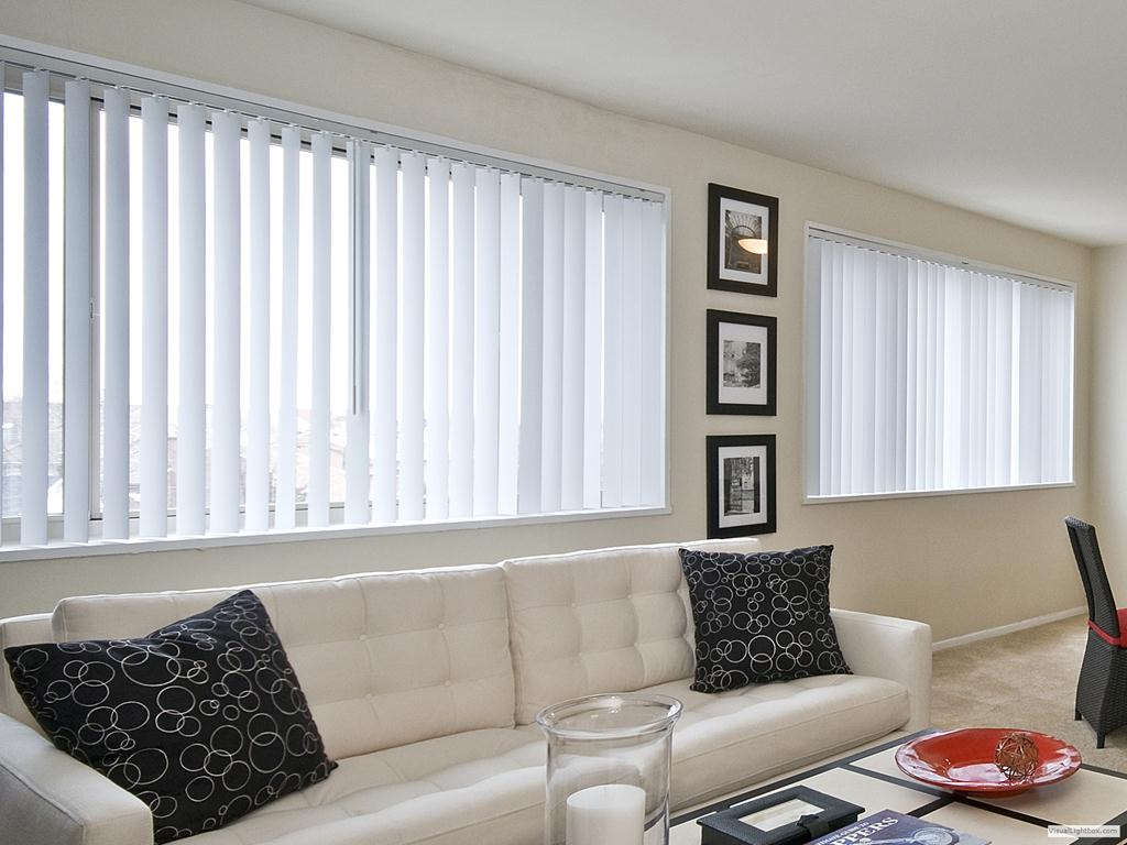 Persirio tudo em persianas venezianas cortinas for Cortinas para sala y comedor modernas